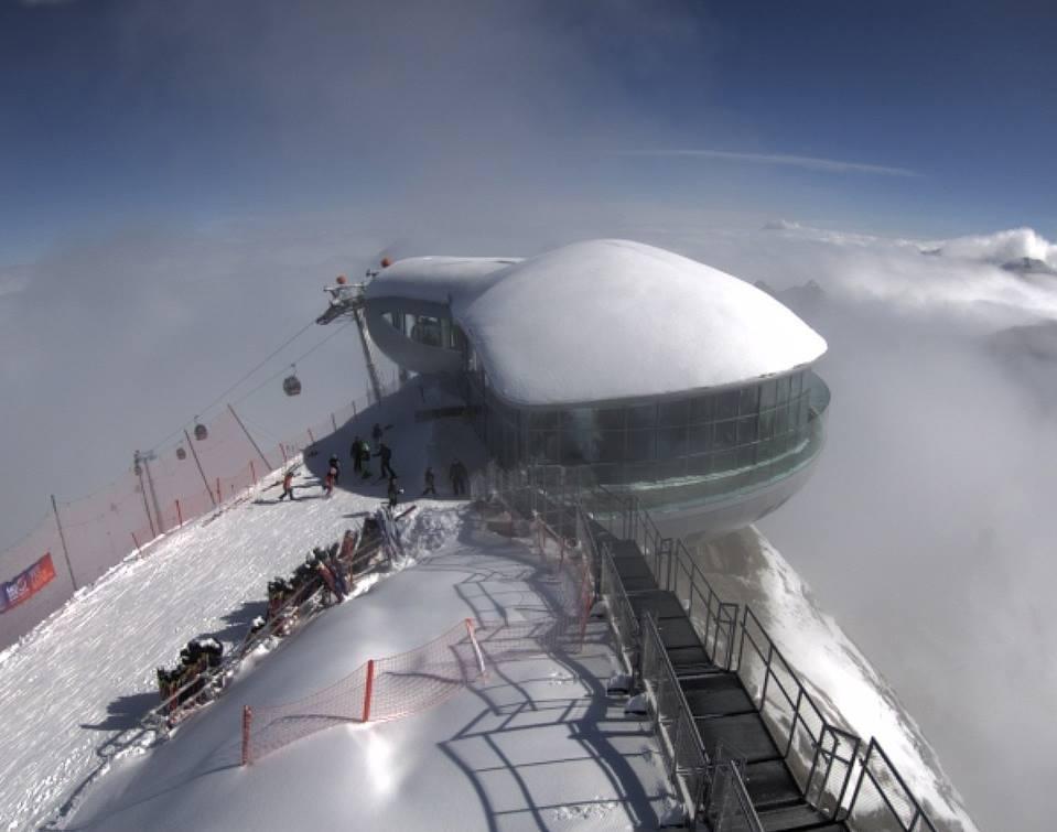 El glaciar austriaco de Pitztal Gletscher en pleno funcionamiento