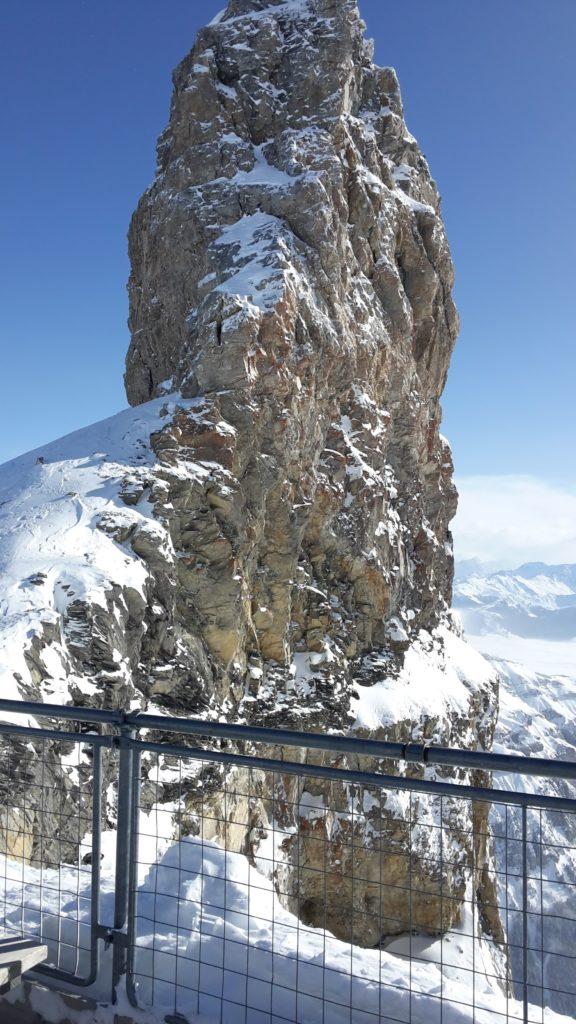 La Quille du Diable, piedra vertical en lo alto del glaciar