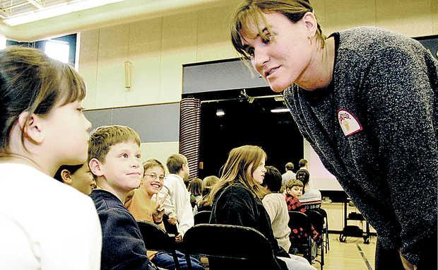 Julie Parisien es profesora y se dedica a formar niños en los deportes de invierno en el programa Winterkids FOTO: http://sciencepole.com
