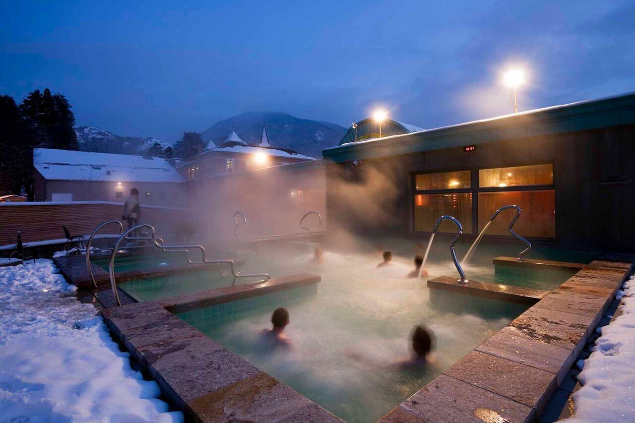 Les Bains du Couloubret en A x-3-Domaines dispone de tres mil metros cuadrados de bienestar outdoor e indoor FOTO: Les Pyrénées