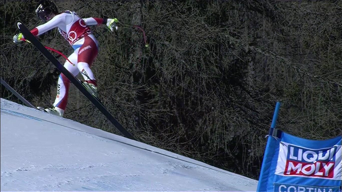 Lara Gut se desequilibró en la parte final cuando llevaba el mejor tiempo y no acabó la carrera FOTO: Eurosport