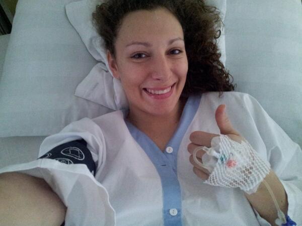 Ilka, tras una de las operaciones a las que ha sido sometida en su carrera deportiva FOTO: Twitter Ilka Stuhec