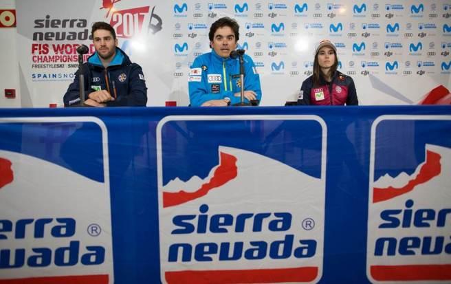 Castellet, Eguíbar junto al director general de la RFEDI durante la rueda de prensa