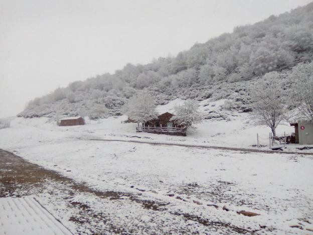 Asturias se ha levantado hoy con una estampa plenamente de invierno