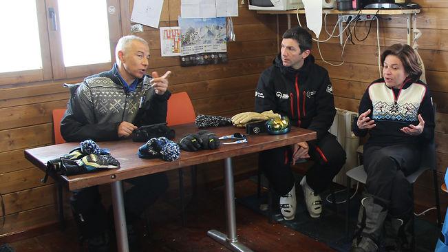 Joan Viladomat en Arcalís el pasado enero, acompañado del director de la estación, Xabier Ajona. / M. T. (ANA)