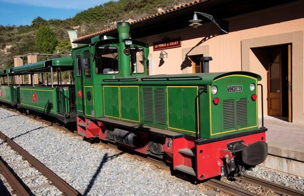 El viaje discurre entre las estaciones de La Pobla de Lillet y el Museo del Ciment-Castellar de n'Hug