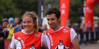 La pareja en la meta de la Salomon Glen Coe Skyline