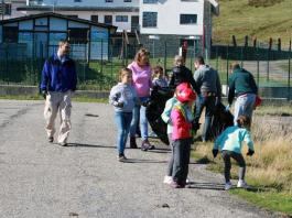 Varios de los niños que participaron en la limpieza de Pajares CRÉDITO: PARDO