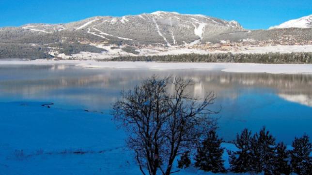 El lago Matemale es el centinela de Les Angles