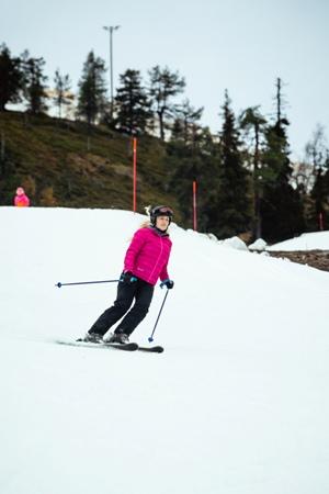 Una esquiadora el fin de semana
