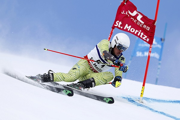 Juan del Campo opina que el nuevo esquí de gigante es más fácil de manejar FOTO: RFEDI