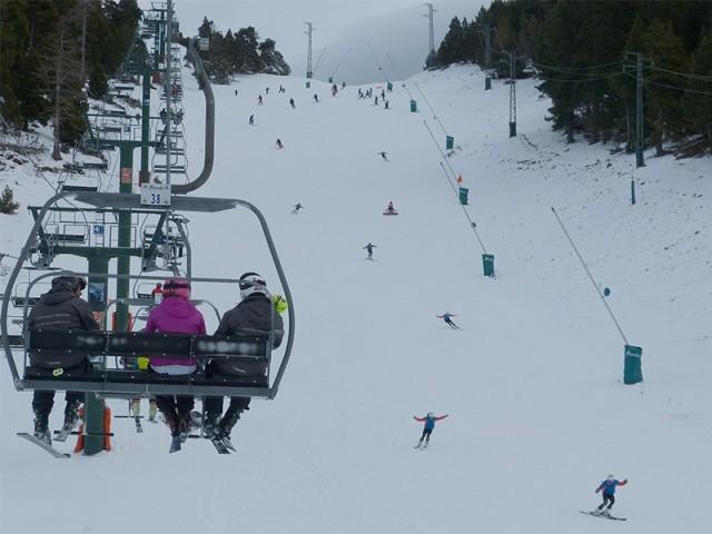 Las pistas ofrecen un buen grueso de nieve