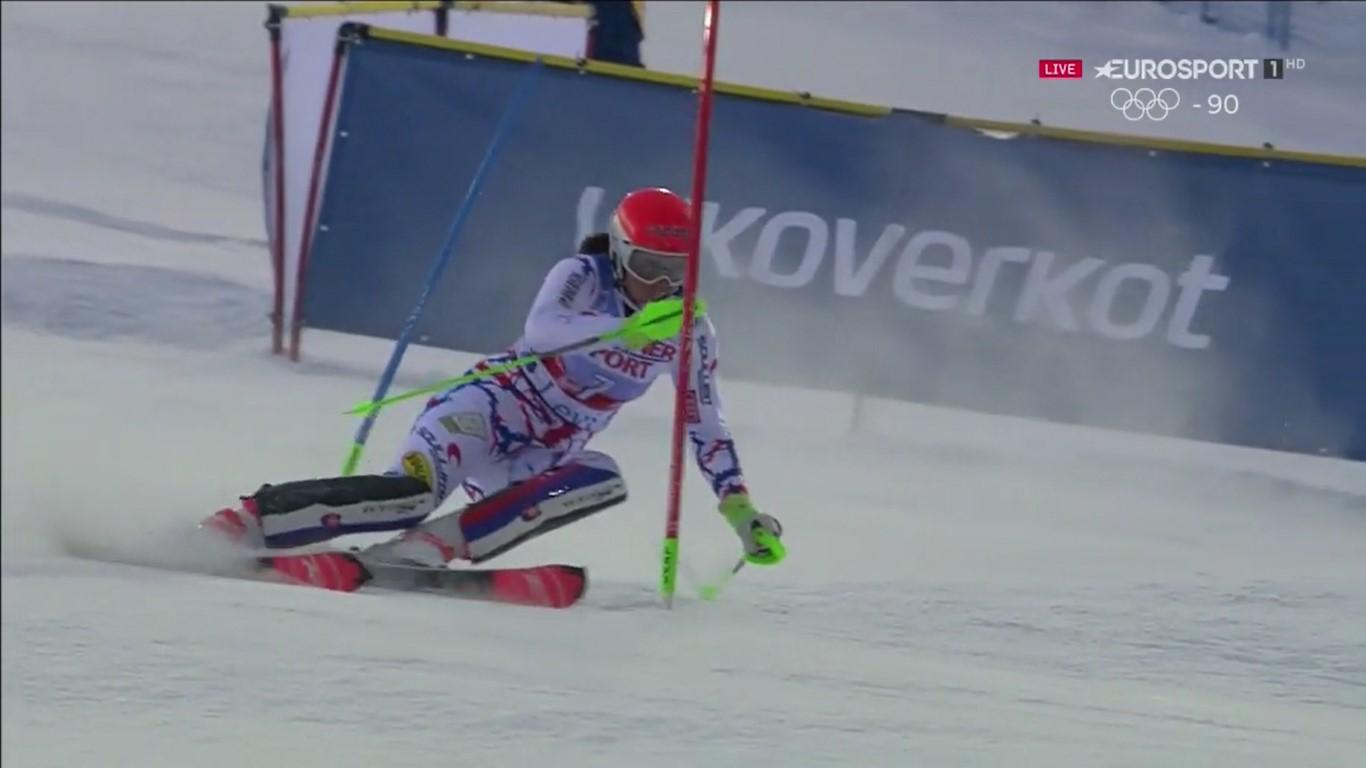 Una segunda manga impecable le ha servido a Petra Vhlova para derrotar a Mikaela Shiffrin, segunda tras ser la más rápida en la primera bajada