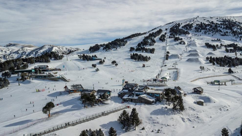 Grandvalira, a vista de pájaro, abre 90 Km de pistas con buenas condiciones de nieve