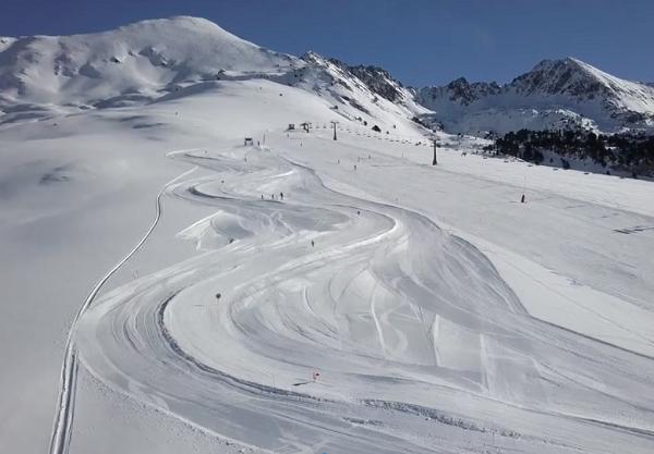Los 1.750 metros de pista del Funpark son muy fáciles de esquiar. Los debutantes no tienen ningún problema