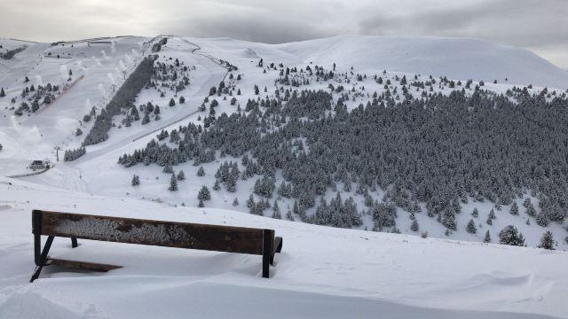 La nieve ha llegado por Reyes a las pistas de FGC