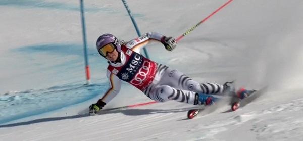 Aquí ha perdido Viktoria Rebensburg sus opciones de victoria. Gracias a sus excepcionales reflejos no se ha ido al suelo