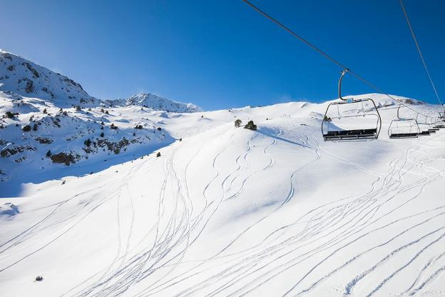 La nieve polvo es el mejor reclamo de Grandvalira
