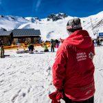 El director de la Escuela Española de Esquí y Snow de la estación, Alejandro Rodríguez Castro, pudo grabar el desprendimiento