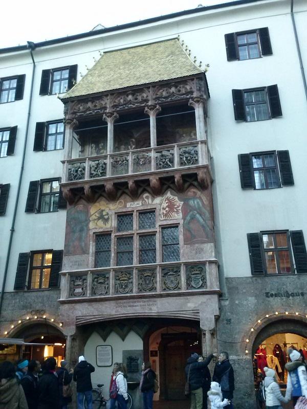El tejado dorado es uno de los símbolos más característicos de Innsbruck