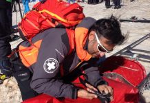Rafa Lomana durante un servicio de socorro en Sierra Nevada
