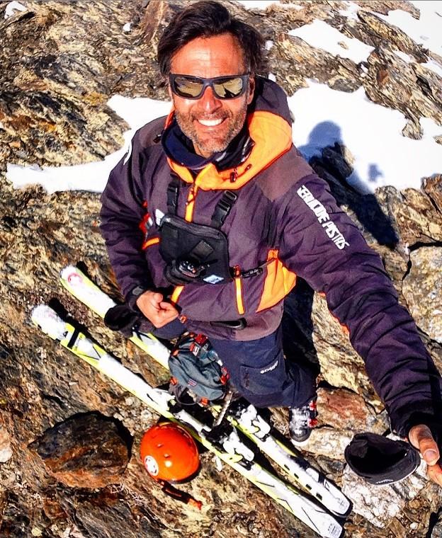 Amante de la naturaleza y alma inquieta, su sueño sería esquiar con el olímpico Aksel Lund Svindal y el freerider Seth Morrison.