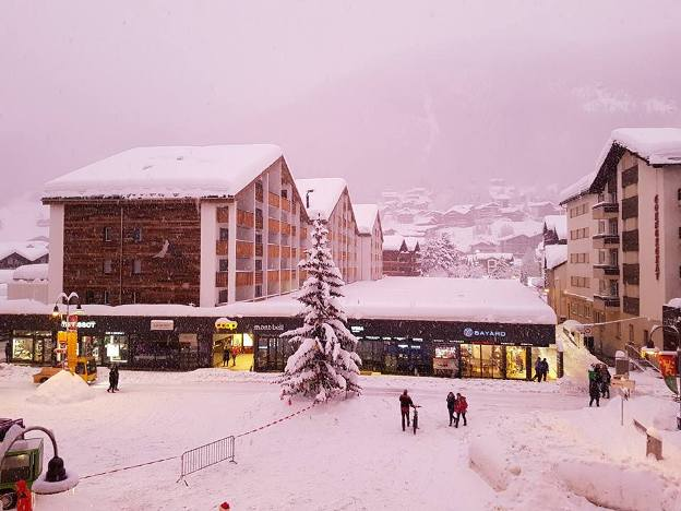 Zermatt sigue recuperando el pulso después de haber estado literalmente sitiada por la nieve