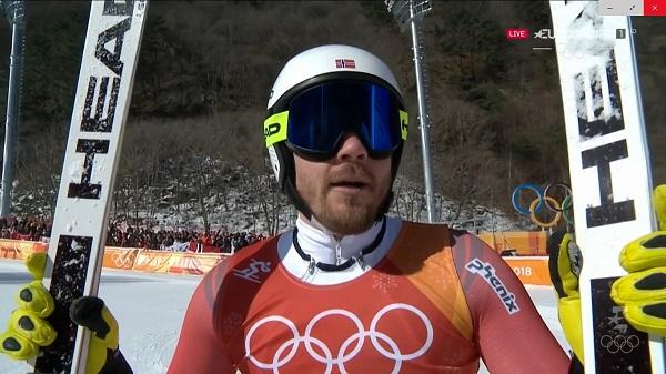 Kjetil Jansrud defendía su título de super G ganado en Sochi, partía como favorito y Matthias Mayer y Beat Feuz le han aguado la fiesta