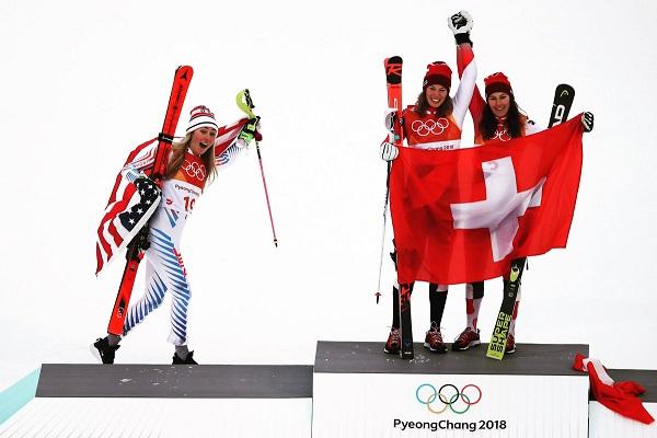Shiffrin compartió podio de la combinada con dos suizas, Michelle Gisin (oro) y Wendy Holdener (bronce)