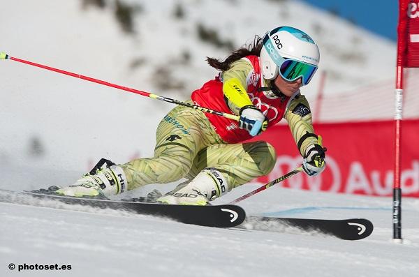 Júlia Bargalló ya ha entrado dos veces esta temporada en una segunda manga de slalom de la Copa de Europa FOTO: Toni Grases/@photoset