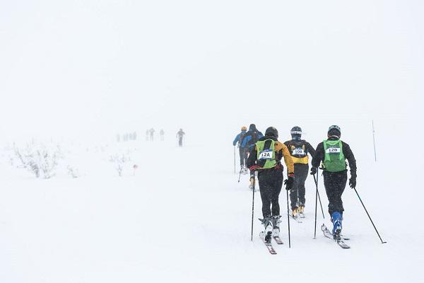 La carrera tuvo dos recorridos en función de la experiencia de los participantes en el esquí de montaña