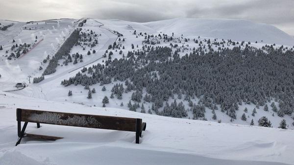 El invierno ha sido muy generoso en nevadas, lo que ha influido de modo decisivo en vivir una temporada brillante FOTO: FGC