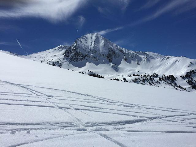Baqueira Beret, por donde estas vacaciones han pasado más de 90 mil esquiadores, registra más de tres metros de nieve
