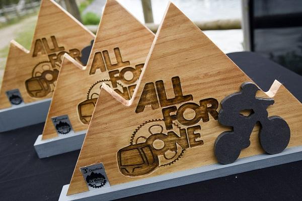 Ya están preparados los trofeos del 'Opening Day All For One' FOTO: Oriol Molas