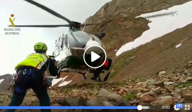 Efectivos de la Guardia Civil durante el rescate del montañero