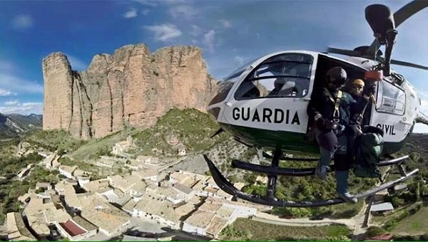 La Guardia Civil, durante una operación en los Mallos de Riglos. FOTO: Facebook Guardia Civil
