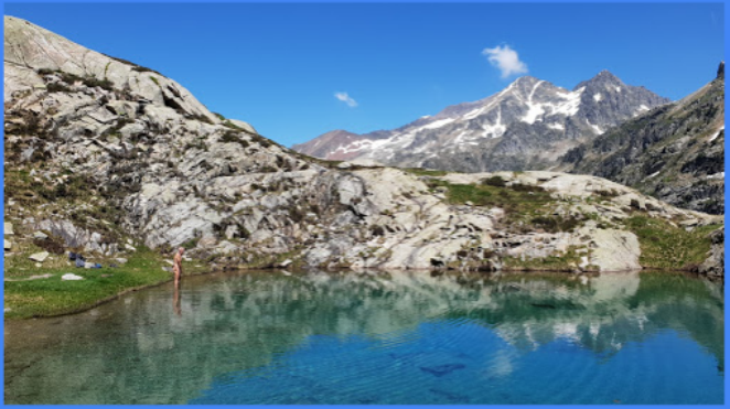 Tras un viaje entre acantilados a 2.000 m de altitud, la llegada al lago Artouste procura las mejores rutas de senderismo