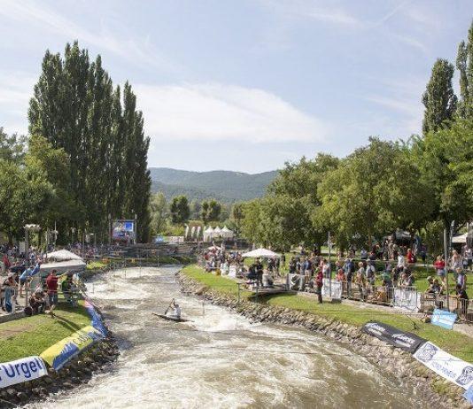 La instalación de La Seu d'Urgell abre un amplio espacio para la práctica del kayak, canoa, ràfting, open-kayaks, hydrospeeds, etc