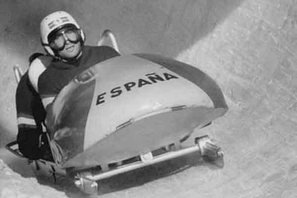 Alfonso Portago fue el precursor del bobsleigh en España y formó un equipo para representar a España en los Juegos de Cortina d'Ampezzo de 1956. FOTO: www.snaplap.net