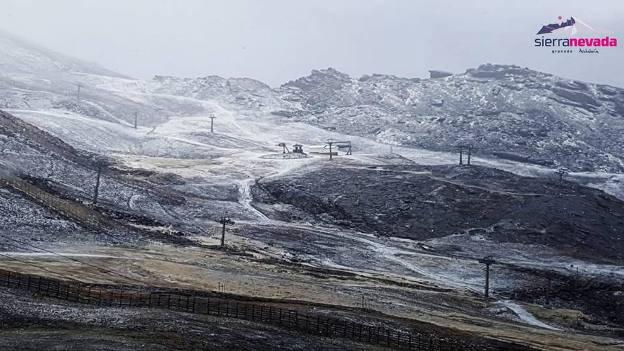 La nieve hace las delicias en Sierra Nevada