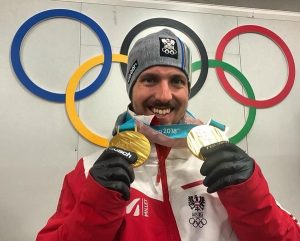 Hirscher, con los dos oros olímpicos que ganó en Pyeongchang