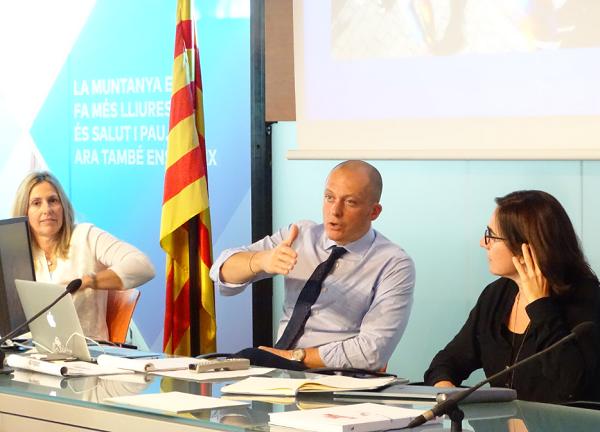 Max Blardone durante el ´clinic' sobre entrenamiento que ofreció en Barcelona. FOTO: FCEH