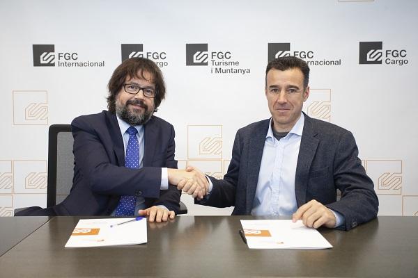 Ricard Font y May Peus, en la firma del acuerdo entre FGC y RFEDI. Foto: FGC
