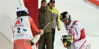 Tras el último slalom de Schladming Hirscher y Kristoffersen celebran el podio. FOTO: Redbull Content Pool