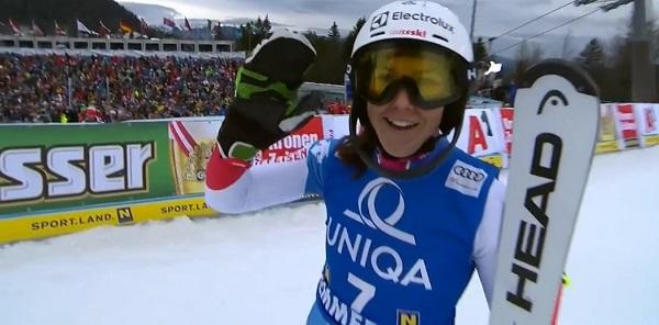 Holdener sigue buscando la victoria en slalom, donde lleva 18 podios.