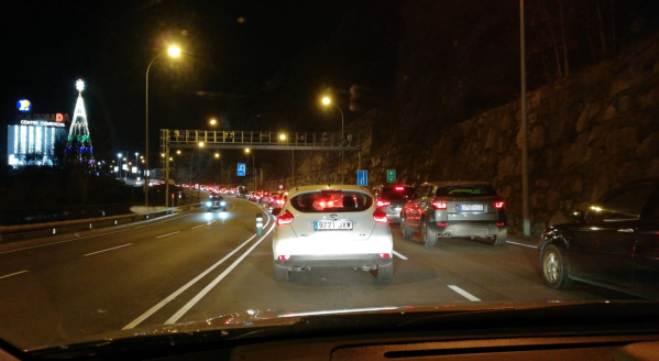 Las colas de acceso a Andorra desde la Seo d'Urgell llegaban a los 18 Km