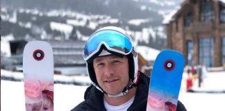 Miller ha colgado en Instagram una fotografía con los esquís personalizados con la cara de su hija