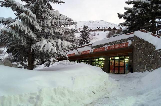 Los gruesos de nieve de Baqueira sobrepasan a los 2 metros