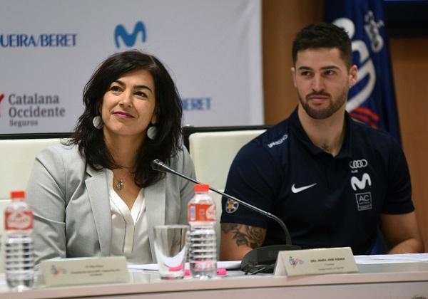 María José Rienda y Lucas Eguibar, durante el acto de presentación.
