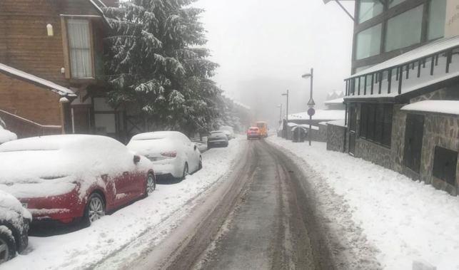 La nieve ha llegado hasta Sierra Nevada